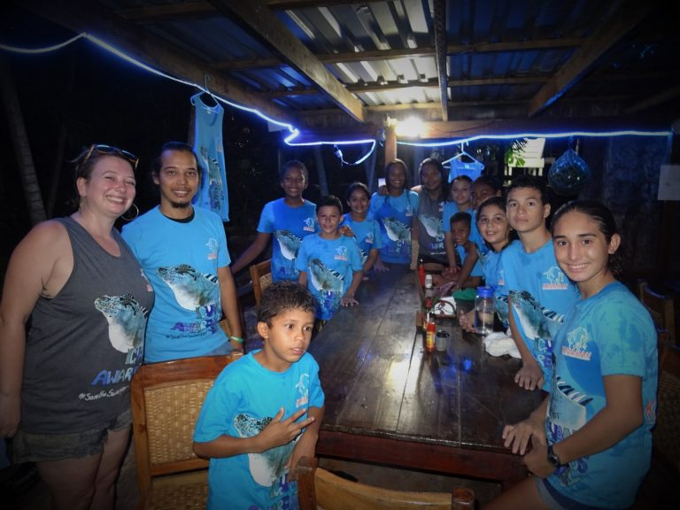 Iguana awareness day with the students of the Kanahau school of Nature – Tom Brown